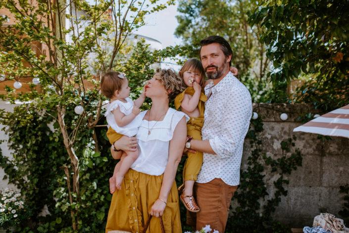 Séance colorée et vivante à Bordeaux - Marie Charlotte, Romain, Constance et Victoire