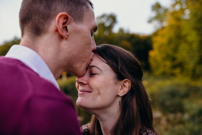 Justine et Romain - Leur séance engagement aux couleurs de l'automne 🍂